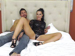 Hung dude takes remedying a bombshell Texas Patti with pleasure