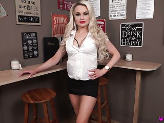 Blondie Ashley Git performs her heavy juicy boobs and shows striptease
