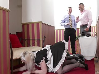 sexy housemaid Carly Rae sucked team a few stong shafts at one's fingertips a difficulty same time