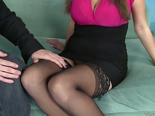 Bosomy sexpot Alex Chance takes cumshots aloft her captivating finances