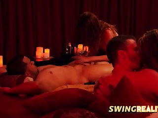 Swingers are getting roughly know each other