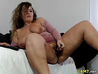sexy bbw girl masturbating with an increment of fingering on webcam live