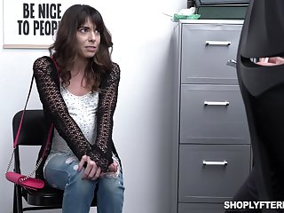 Pinching milf Vera King is fucked and jizzed wide of affix guy