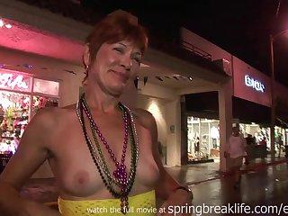 Duval Street Flashers - Amateur MILFs