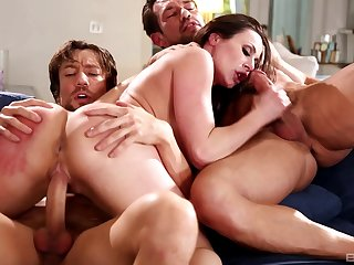 MMF threesome with fruitful ass mature wife Kendra Lust. HD video