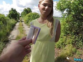 Tomas Jondi fucks Russian teen Carolina Famousness fro bushes
